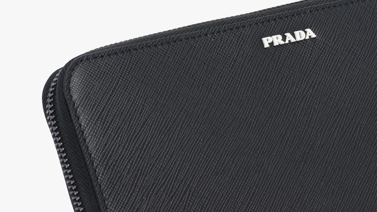 プラダ財布 革