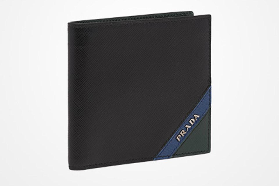 prada プラダ 財布