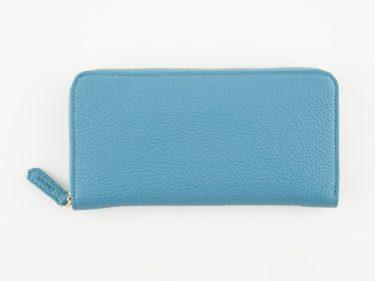 財布で爽やかさを!メンズのための水色の財布