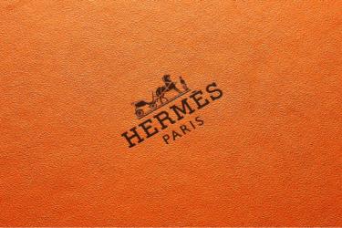 ラグジュアリーなハイブランドの財布 メンズ40代なら様になります!