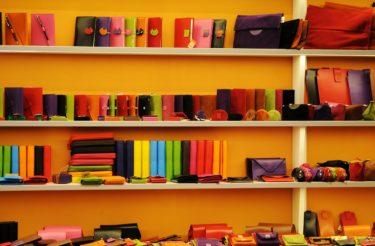 財布を安く買いたいメンズの皆さん!バーゲンセール品って質とか風水的な部分とか気になりませんか?