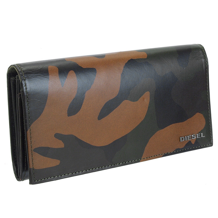 迷彩柄(カモフラージュ柄)長財布